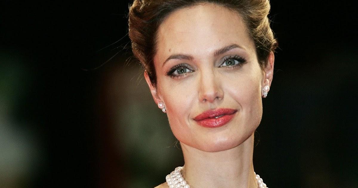 Renovatio Angelina Jolie E La Follia Propagandistica Del